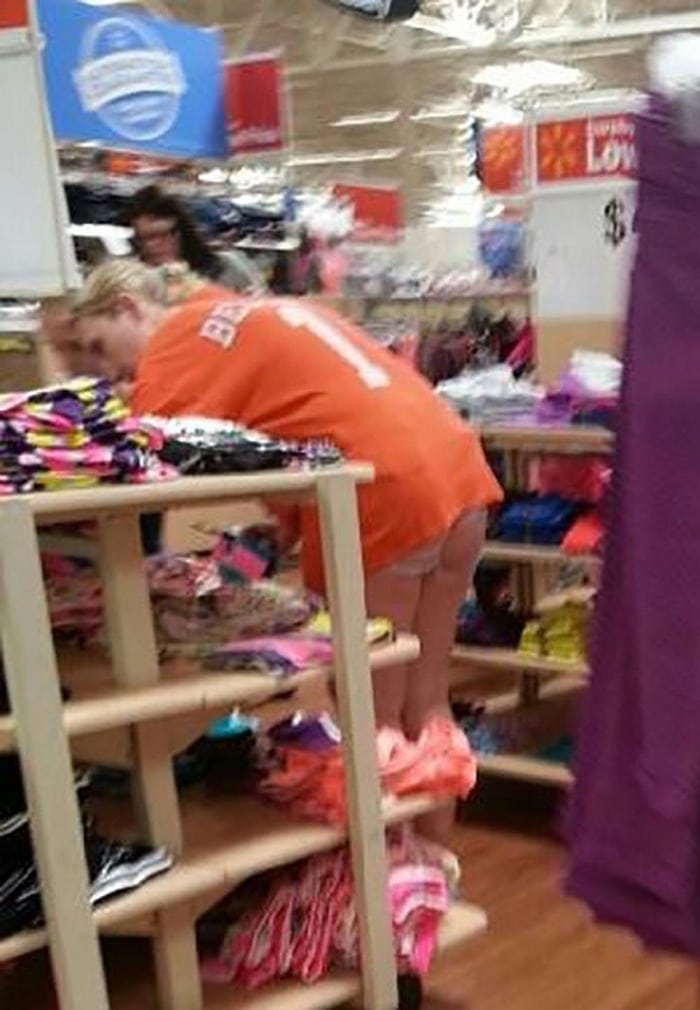 People Of Walmart That Are Too Ridiculous To Handle (100+ Pics)-70