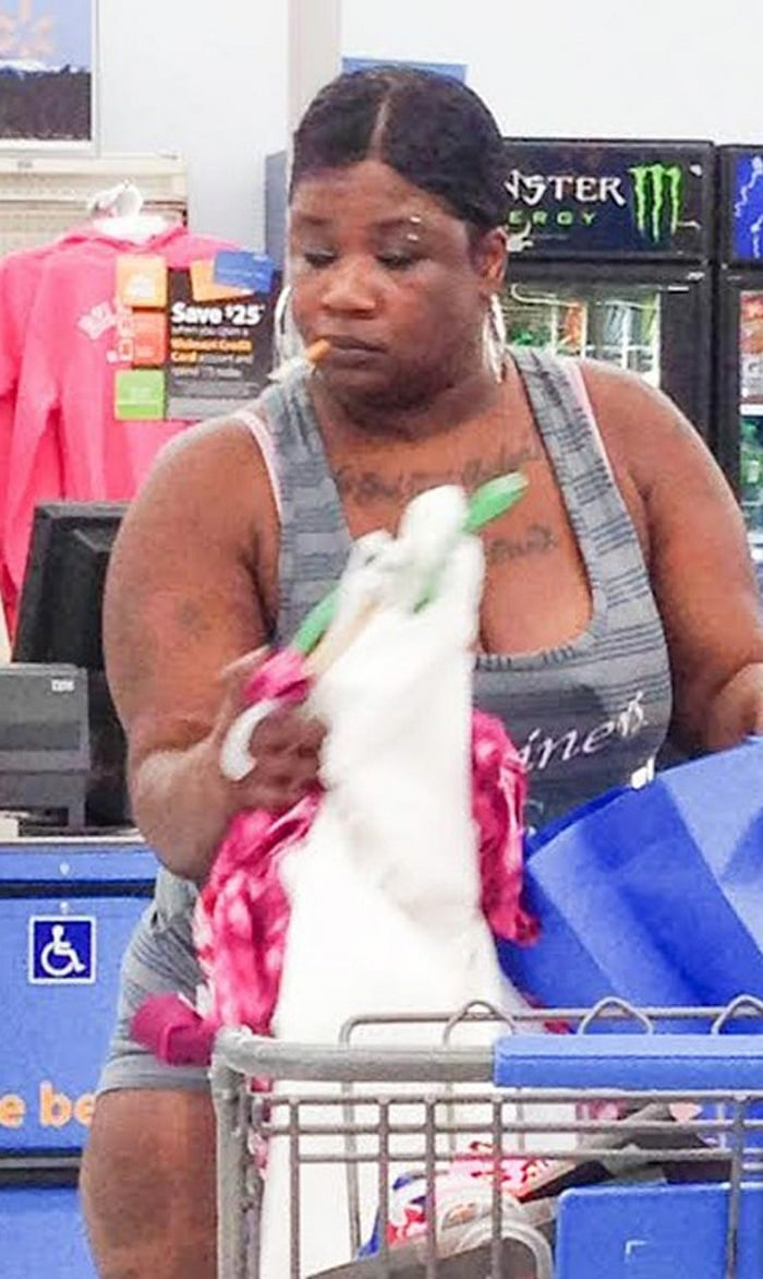 People Of Walmart That Are Too Ridiculous To Handle (100+ Pics)-90