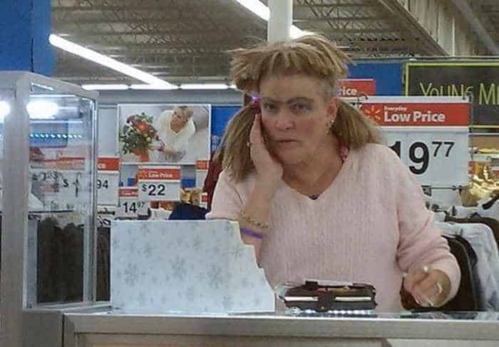 25 People of Walmart That Are Ridiculous -04