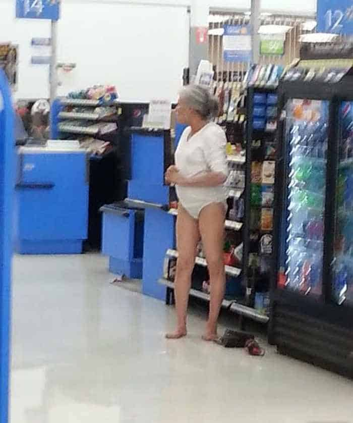 30 People of Walmart That Exist in Real Life -13