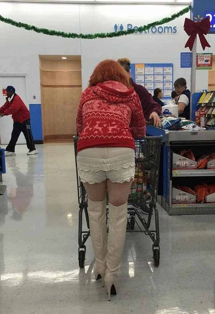 30 People of Walmart That Exist in Real Life -24