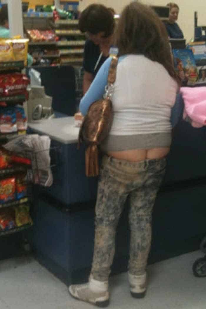 30 Ridiculous People of Walmart That are Extremely Weird to Handle -14