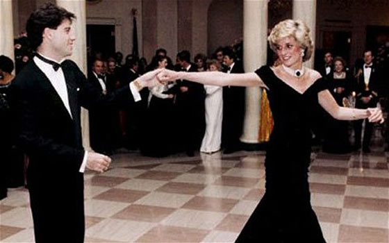 14 Pics of Princess Diana's Awesome Iconic Gowns And Royal Dresses -01