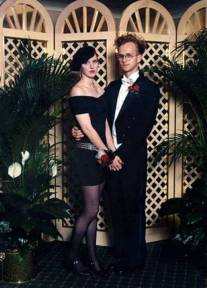 50 Ridiculous 80's Prom Photos That Will Make You Laugh -22