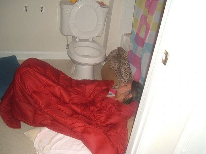 Ridiculous Drunk Girls That Are Totally Wasted (70 Photos)-11
