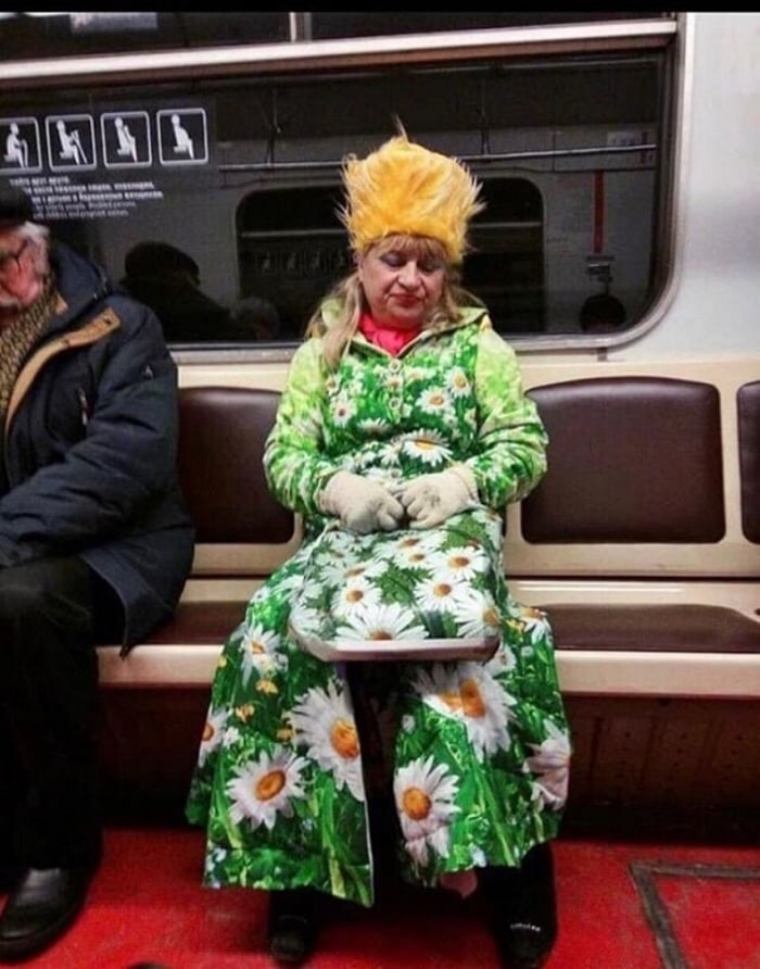Ridiculous People In Subway That Will Make Your Day (36 Photos)-12