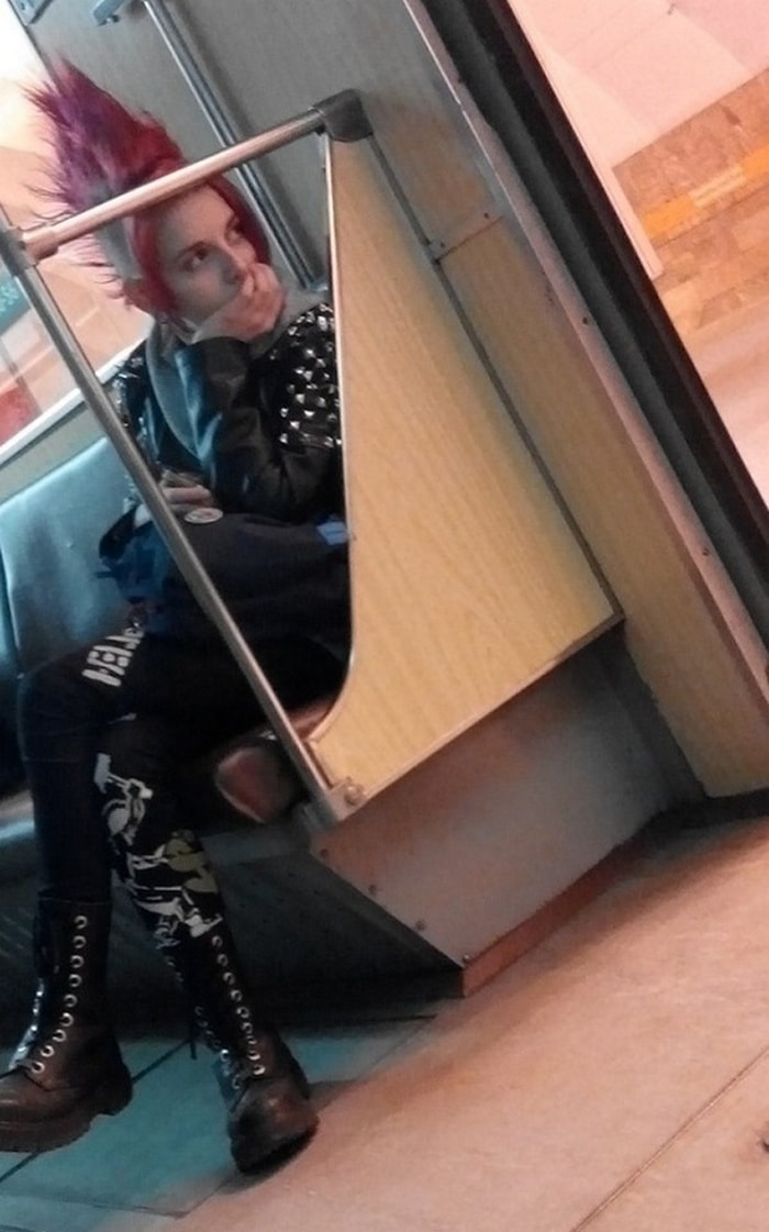Ridiculous People In Subway That Will Make Your Day (36 Photos)-13