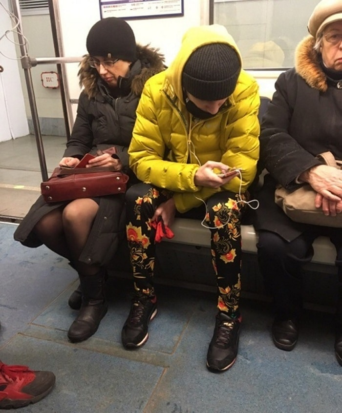 Ridiculous People In Subway That Will Make Your Day (36 Photos)-15