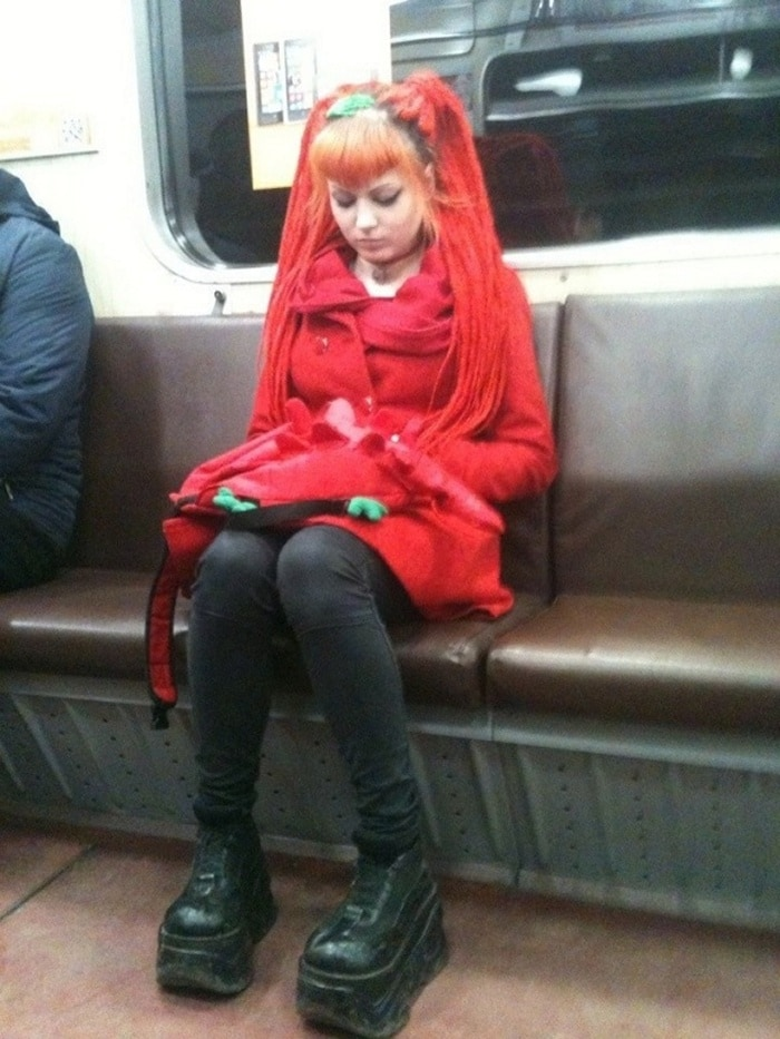 Ridiculous People In Subway That Will Make Your Day (36 Photos)-29