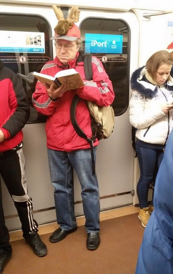 Ridiculous People In Subway That Will Make Your Day (36 Photos)-35