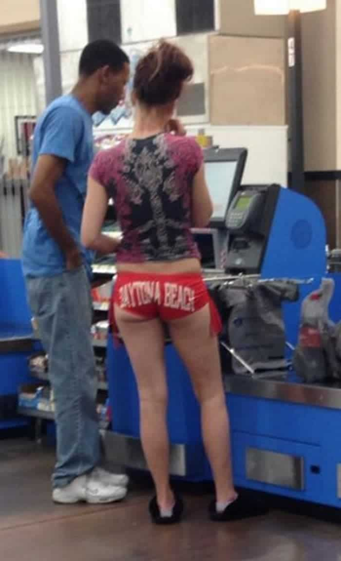 50 Ridiculous People of Walmart That Are on Another Level -14