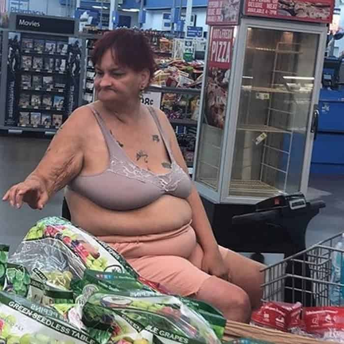 50 Ridiculous People of Walmart That Are on Another Level -50