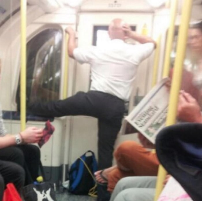 31 Ridiculous Pics Of London Underground That Will Shock You-05