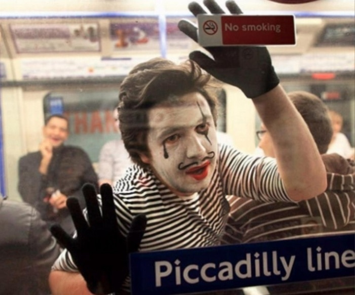 31 Ridiculous Pics Of London Underground That Will Shock You-24