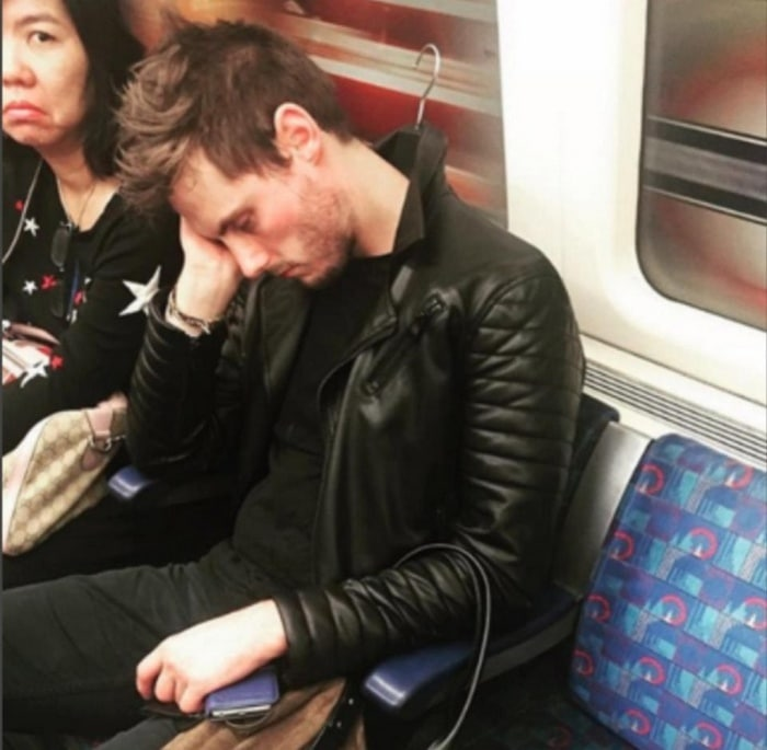 31 Ridiculous Pics Of London Underground That Will Shock You-25