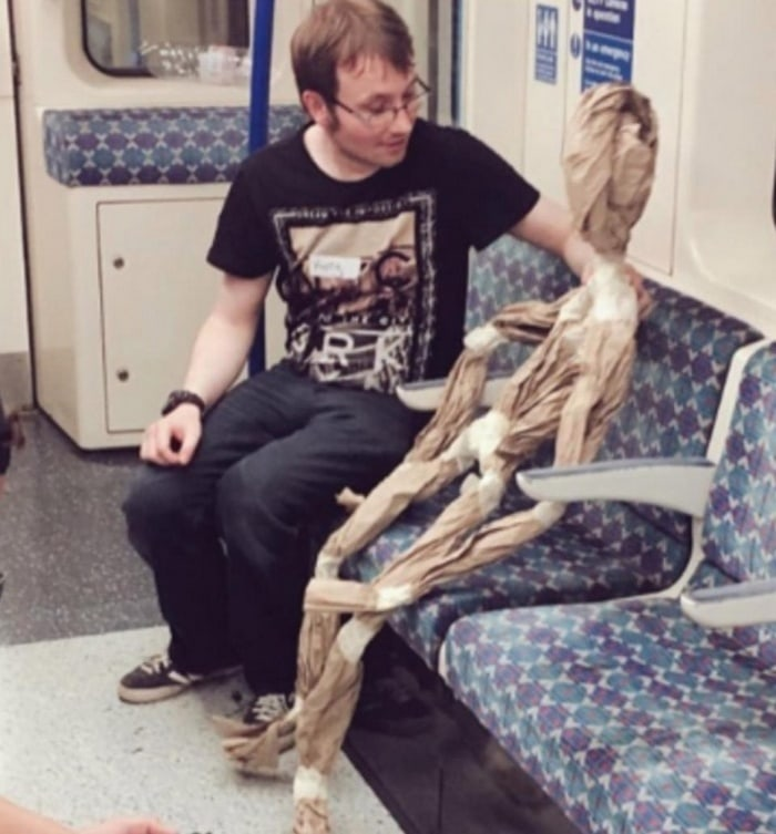 31 Ridiculous Pics Of London Underground That Will Shock You-28