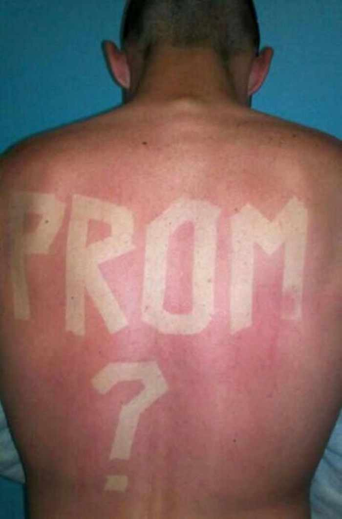 20 Pics of Ridiculous Prom Proposals That Will Make You Lol -01