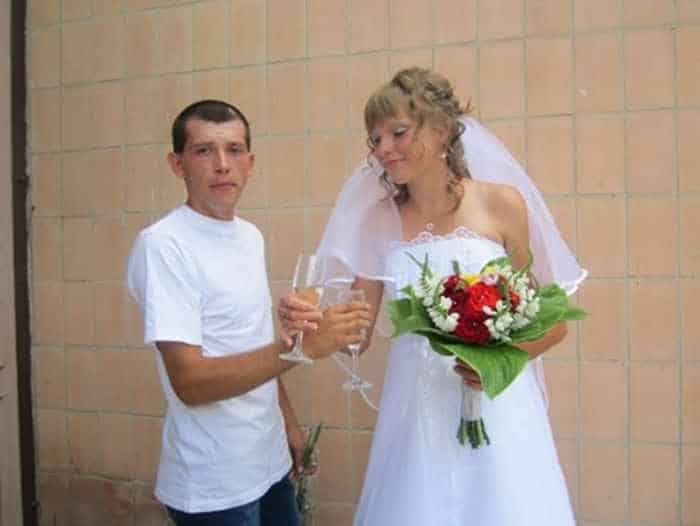 40 Ridiculous Photos of Russian Weddings That Are Hilarious -05