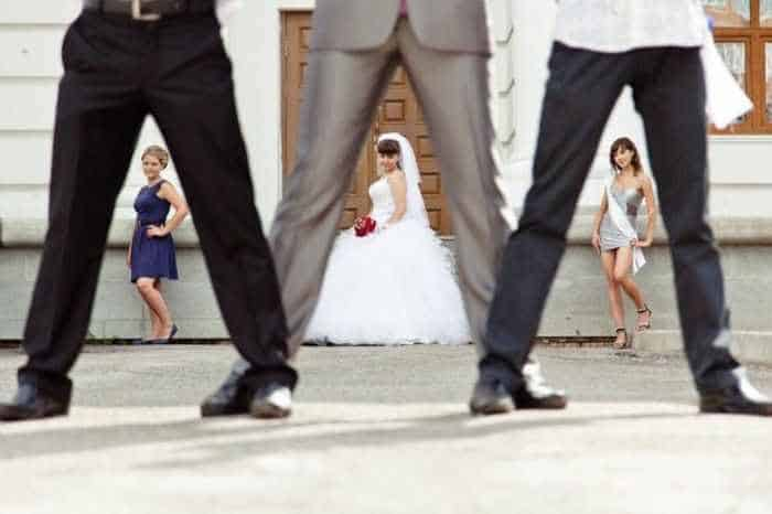 40 Ridiculous Photos of Russian Weddings That Are Hilarious -07