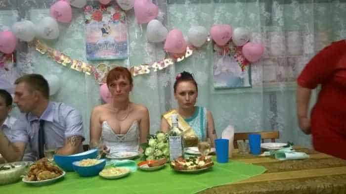 40 Ridiculous Photos of Russian Weddings That Are Hilarious -11