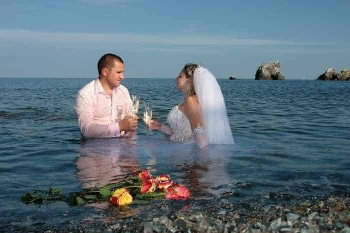 40 Ridiculous Photos of Russian Weddings That Are Hilarious -17