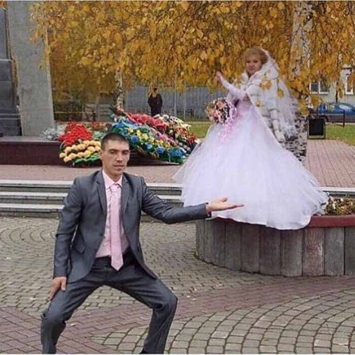 40 Ridiculous Photos of Russian Weddings That Are Hilarious -39