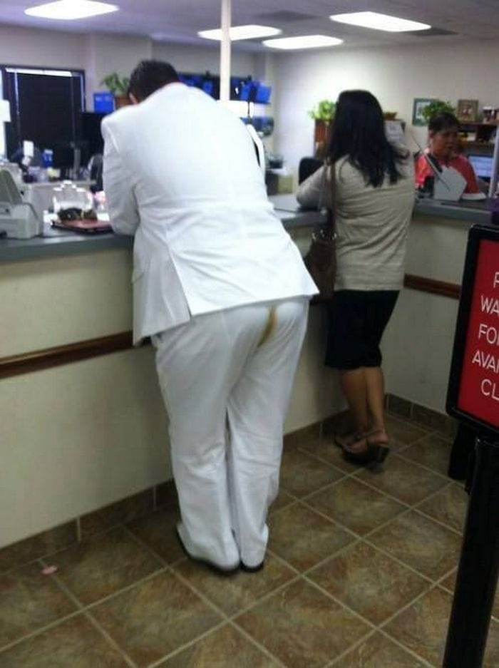48 Ridiculous Walmart Shoppers Caught On Camera-04
