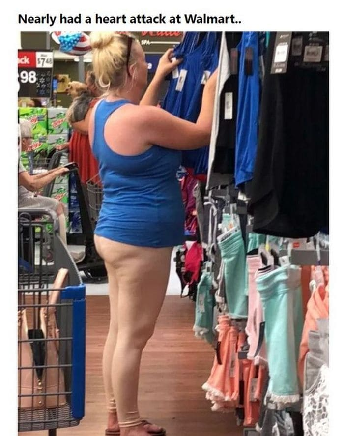 48 Ridiculous Walmart Shoppers Caught On Camera-19