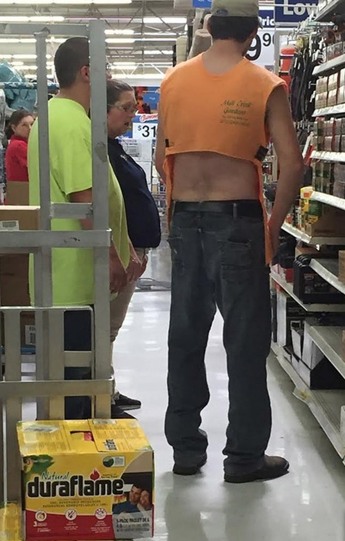 48 Ridiculous Walmart Shoppers Caught On Camera-40