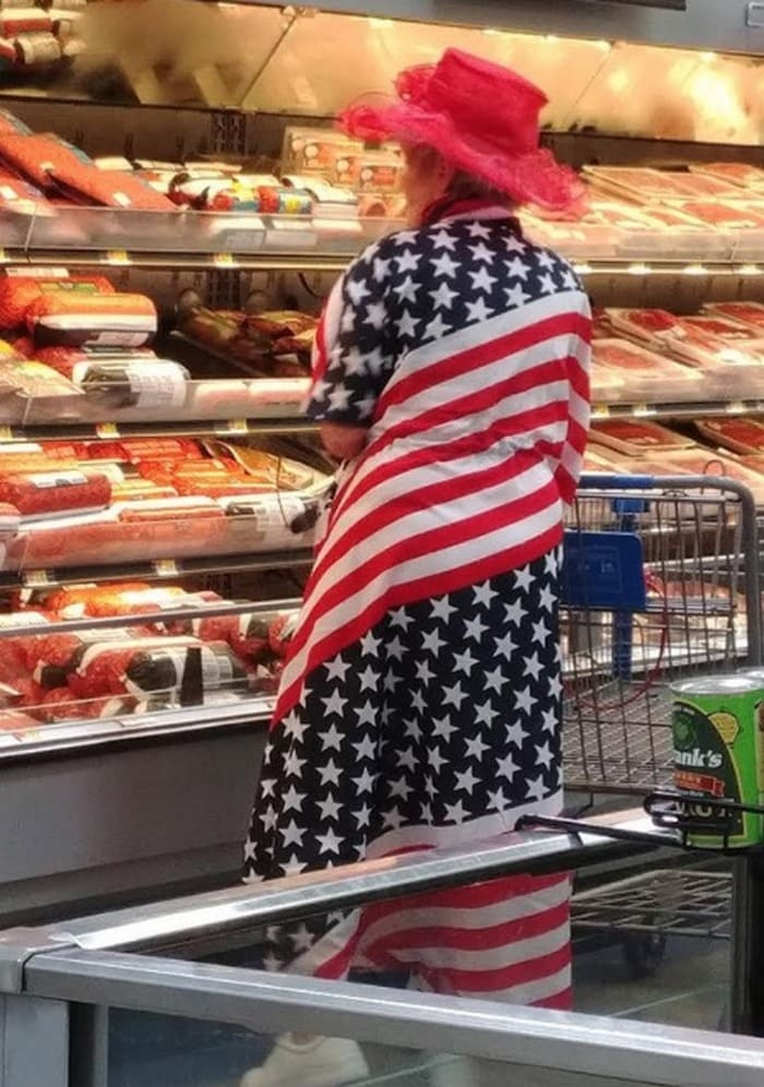 48 Ridiculous Walmart Shoppers Caught On Camera-45