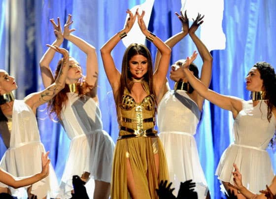 Selena Gomez's Funny Outfit at Billboard Music Awards -03