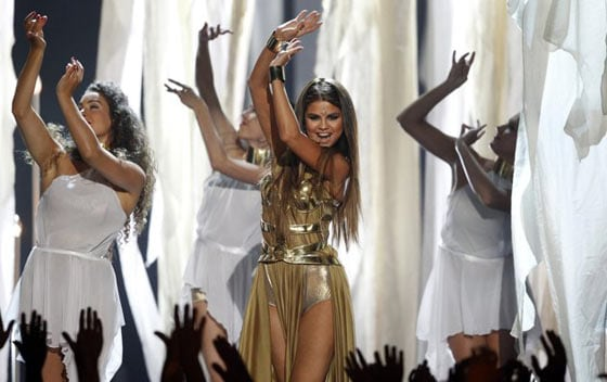 Selena Gomez's Funny Outfit at Billboard Music Awards -04