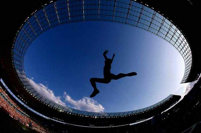 Awesome Sport Moments Captured at Right Time - 15 Pics -04