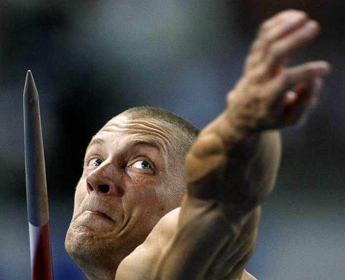 Awesome Sport Moments Captured at Right Time - 15 Pics -10