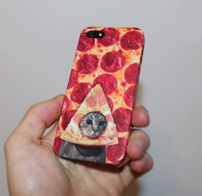21 Unusual Funny iPhone Cases That Are Mind Blowing -12