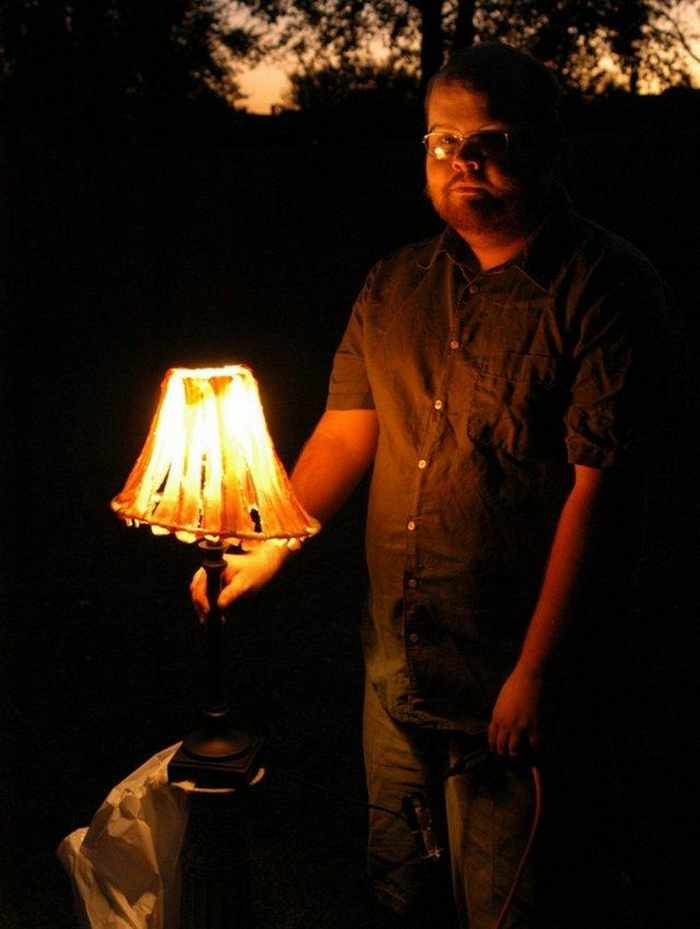 7 Funny Pictures of Unusual Funny Light Lamp -07