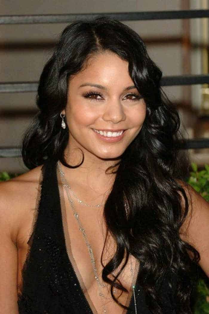 Vanessa Hudgens In Gorgeous Black Gown -02