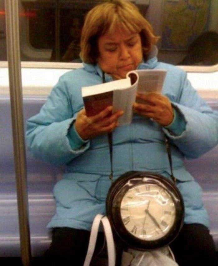 28 Weird Things You Will See On Public Transportation-10