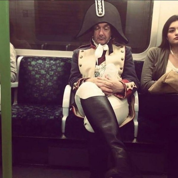 28 Weird Things You Will See On Public Transportation-13