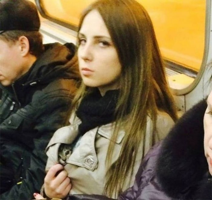28 Weird Things You Will See On Public Transportation-17
