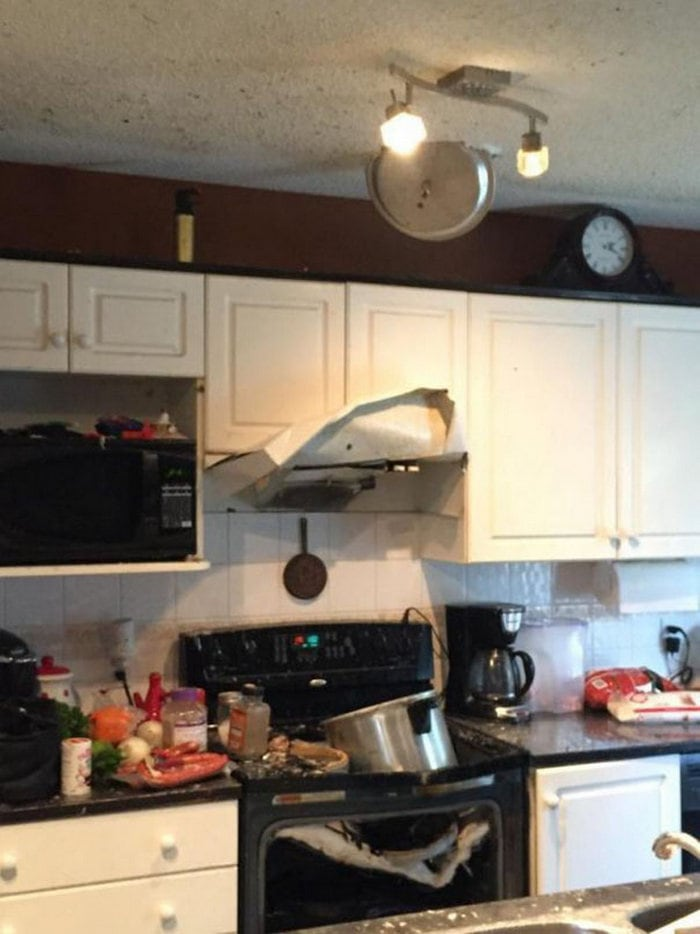 60+ Of The Worst Cooking Disasters Ever-16