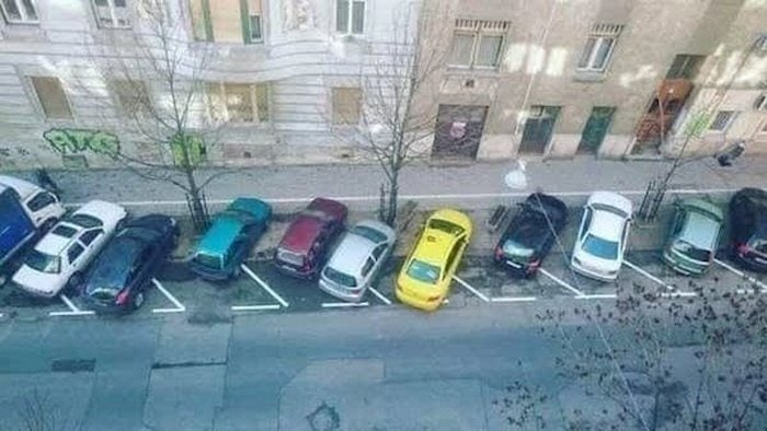 Worst Parking Disaster That You Will Scratch Your Head (32 Photos)-04