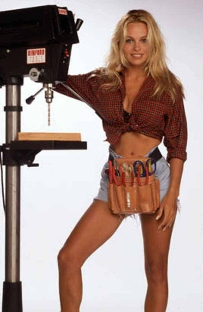 35 Pictures Of Young Pamela Anderson -04