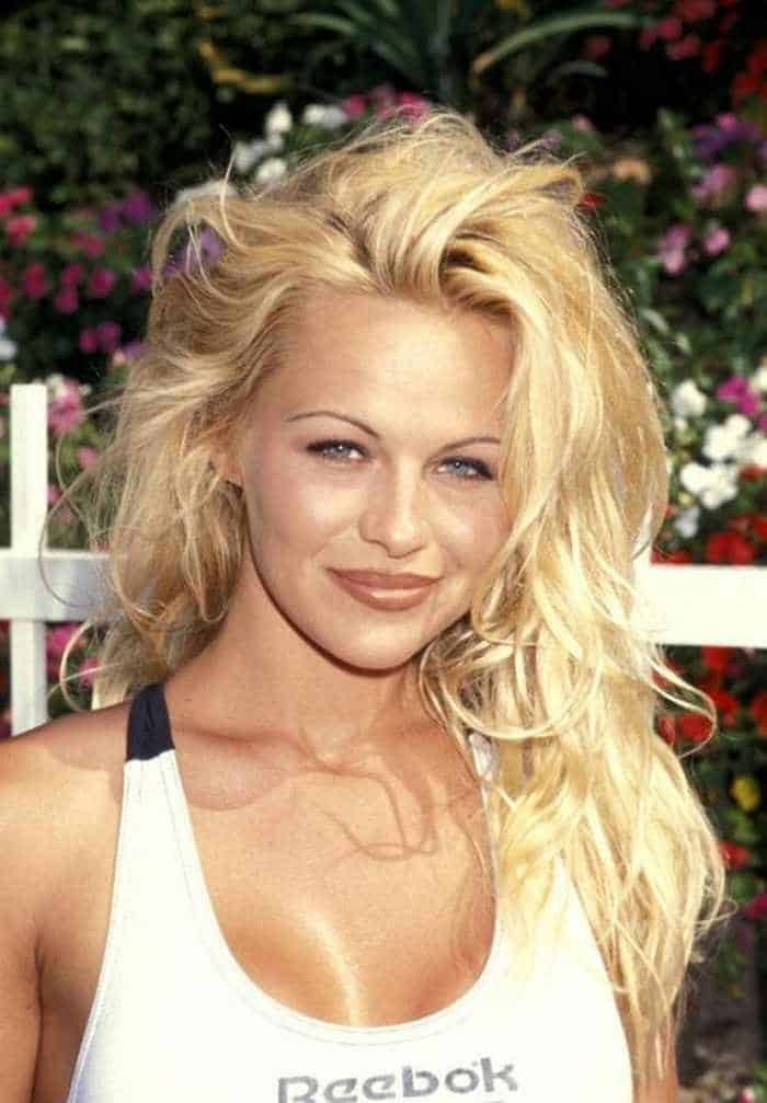 35 Pictures Of Young Pamela Anderson -33